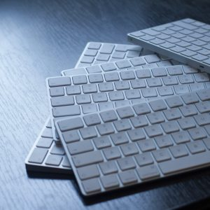 Computerzubehör - Tastaturen, Taschen, Festplatten